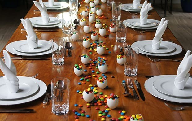 decorac a o de mesa com confetes de chocolate para pa scoa