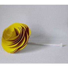 flor com cordao para difusor amarela madressenza casa cafe e mel