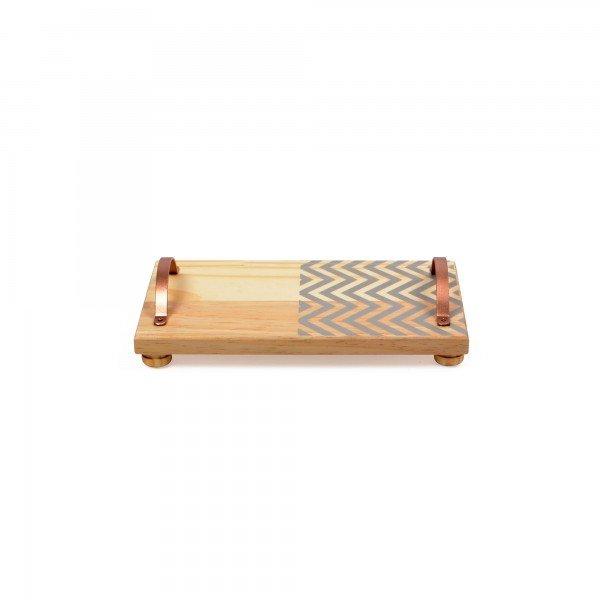 bandeja em madeira e alca de ferro pequena zig zag cinza 18844c decor glass casa cafe e mel
