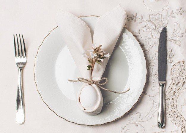 napkin plate near cutlery 23 2148070686