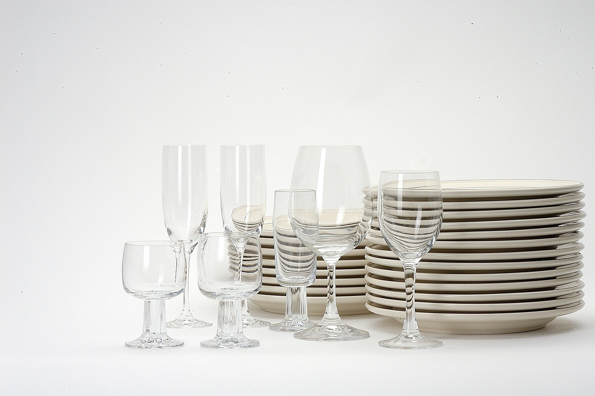 dishes 1348213_1920