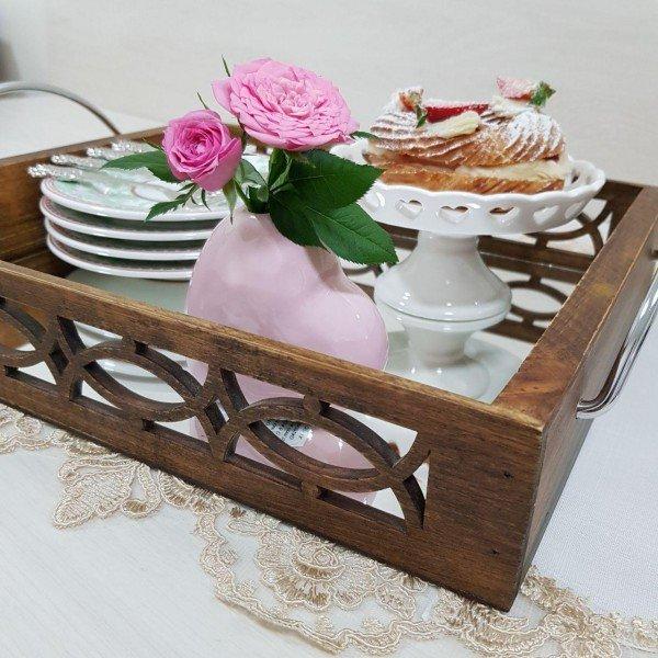 bandeja madeira com alca 16062 marimar casa cafe e mel 3