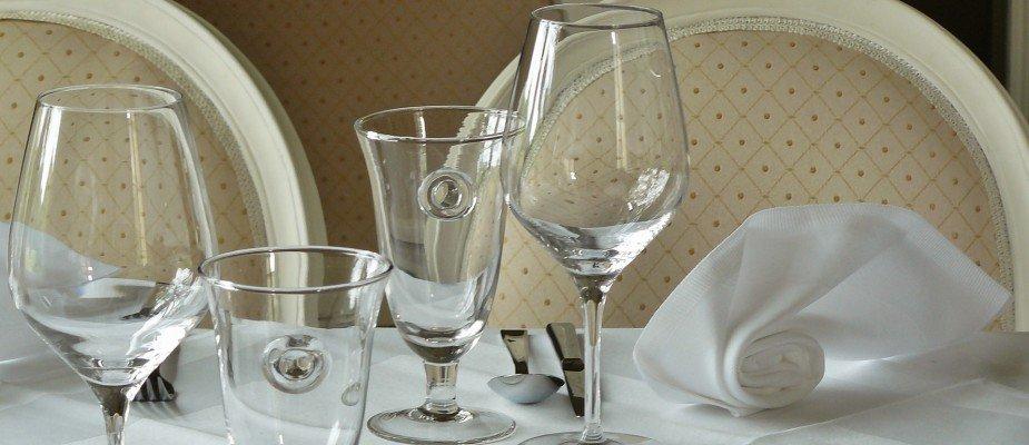 Taças e copos ideais para cada bebida: Você sabe a finalidade de cada um?