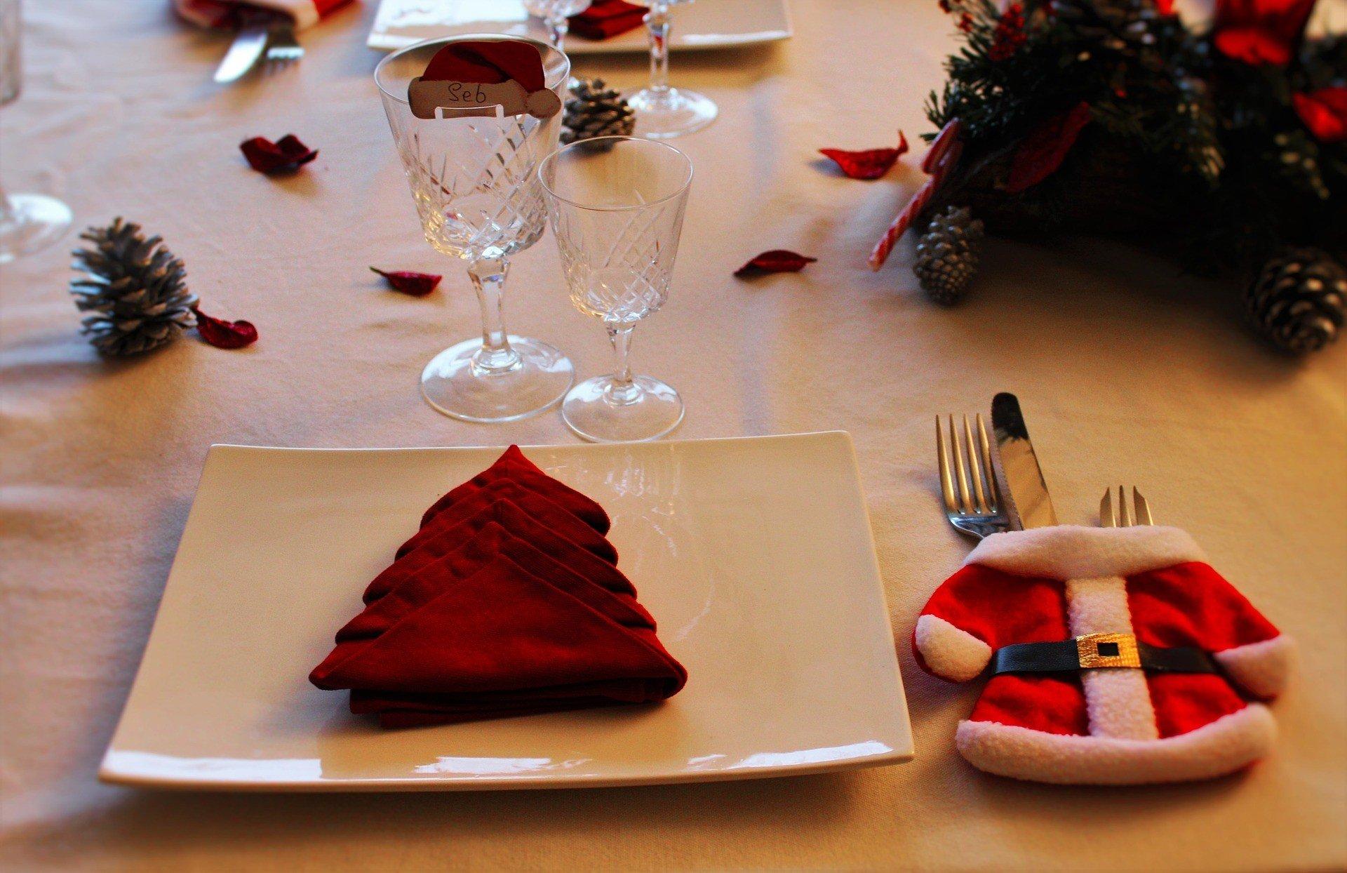 christmas table 1527062 1920