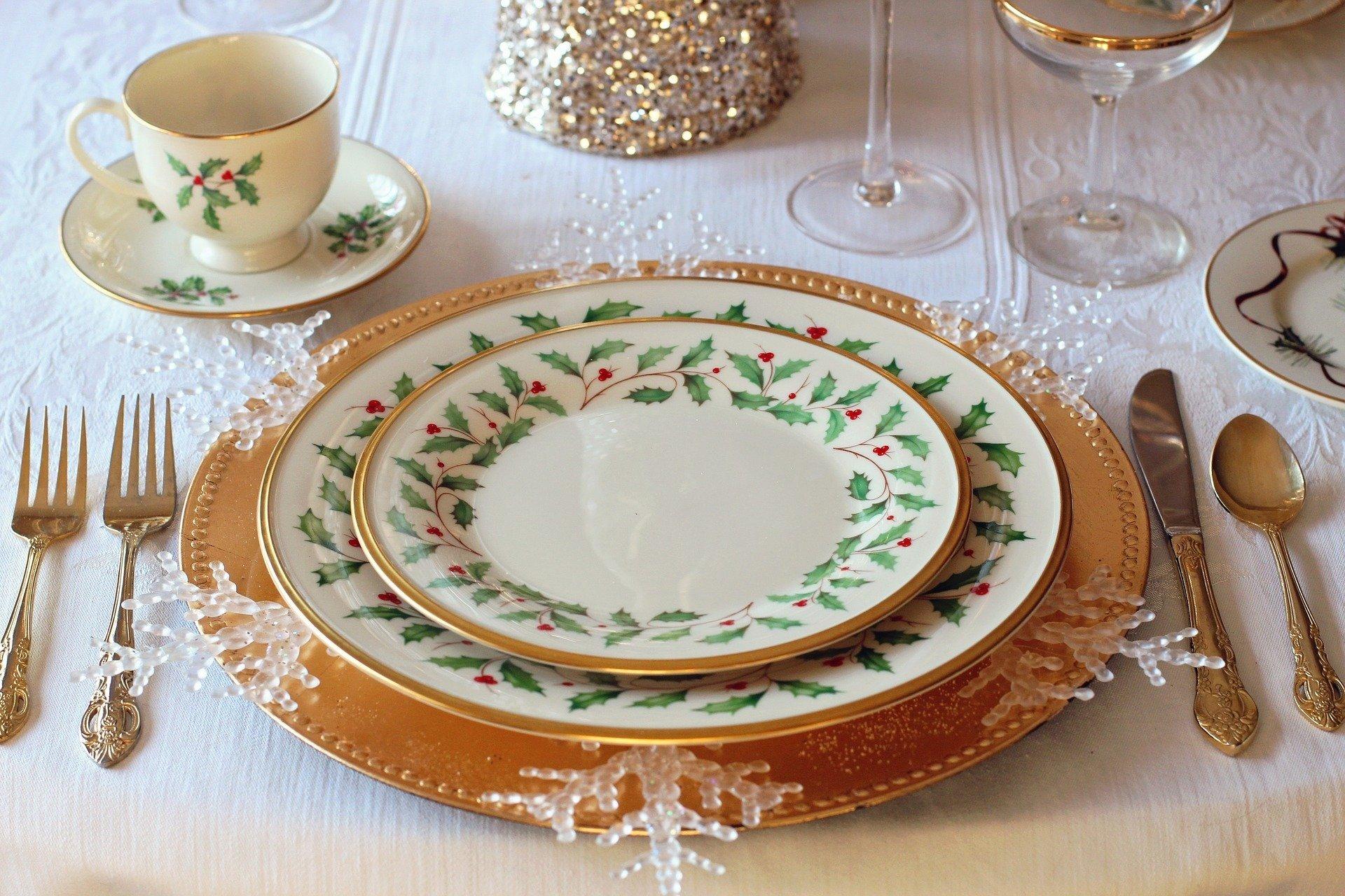 christmas table 1926936 1920