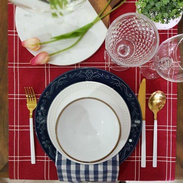 trilho para mesa tecido impermeavel amora casa vermelho com detalhes 3