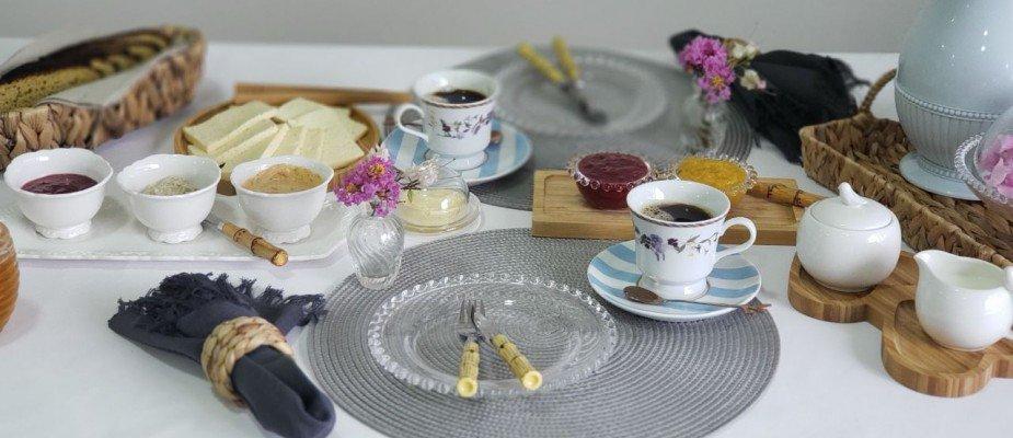 Como montar uma mesa de café da manhã ou brunch